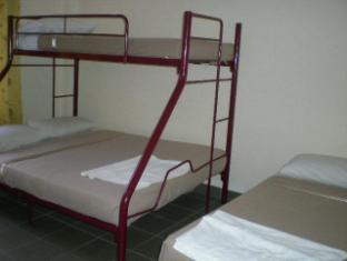 Cozzi Hotel Port Dickson - Bedroom