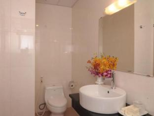 Ruby Star 2 Hotel Ho Chi Minh City - Bathroom