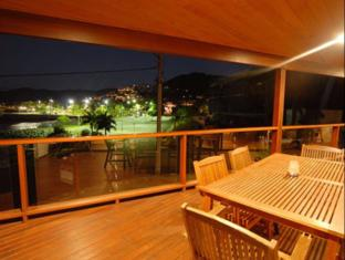 Airlie Waterfront Bed and Breakfast Whitsunday Islands - Balcony/Terrace