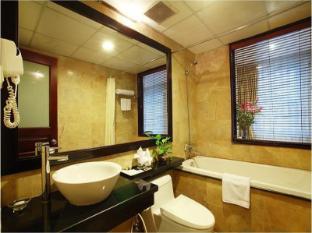 Nam Ngu Hotel Hanoi - Bathroom