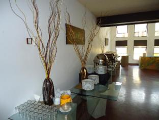 The Sovereign Corporate Hotel Colombo - Dining Area