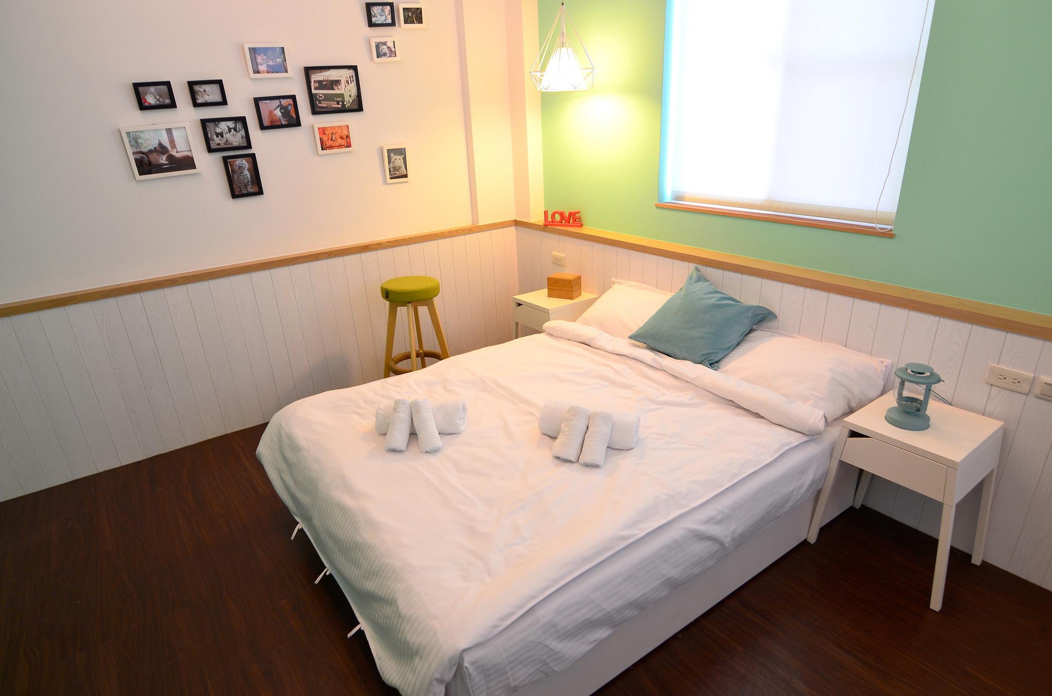 Tainan near T.S. Mall & Ambassador Theater - Leaf  hostel L3 Double room