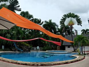 The Ritz Hotel at Garden Oases Davao linn - Bassein