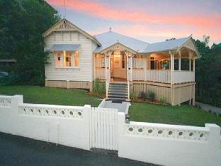 Minto Colonial Accommodation Brisbane Queensland Australia