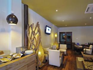 Constance Moofushi Maldives Islands - Hotel Interior