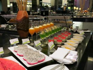 Radisson Suites Bangkok Sukhumvit Bangkok - Restaurante
