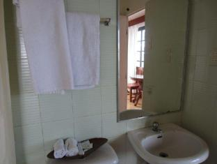Potter's Ridge Tagaytay Hotel Tagaytay - Bathroom