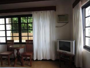 Potter's Ridge Tagaytay Hotel Tagaytay - Guest Room
