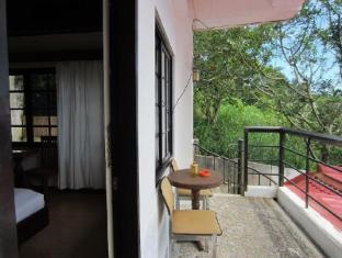 Potter's Ridge Tagaytay Hotel Tagaytay - Surroundings