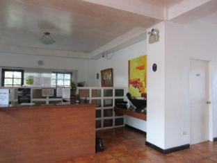 Potter's Ridge Tagaytay Hotel Tagaytay - Reception