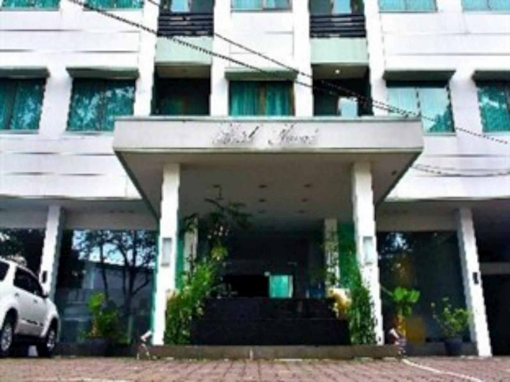 Naval Hotel