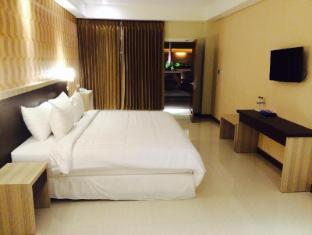 Sylvia Hotel Kupang Kupang - Guest Room