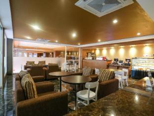 Sylvia Hotel Kupang Kupang - cafe