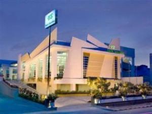 โรงแรมซานติกาบังกา (Hotel Santika Bangka)