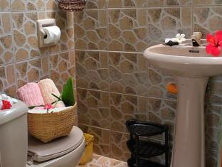 Alumbung Tropical Living Panglao Island - Cottage bathroom