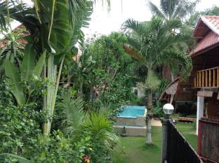 Alumbung Tropical Living Panglao Island - Swimming pool