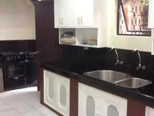 Darunday Manor Tagbilaran City - Kitchen