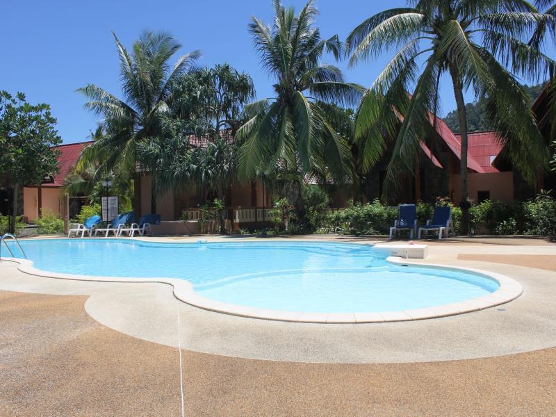 D.R. Lanta Bay Resort ดีอาร์ ลันตา เบย์ รีสอร์ท