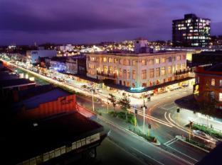 Hamilton City Oaks Hotel