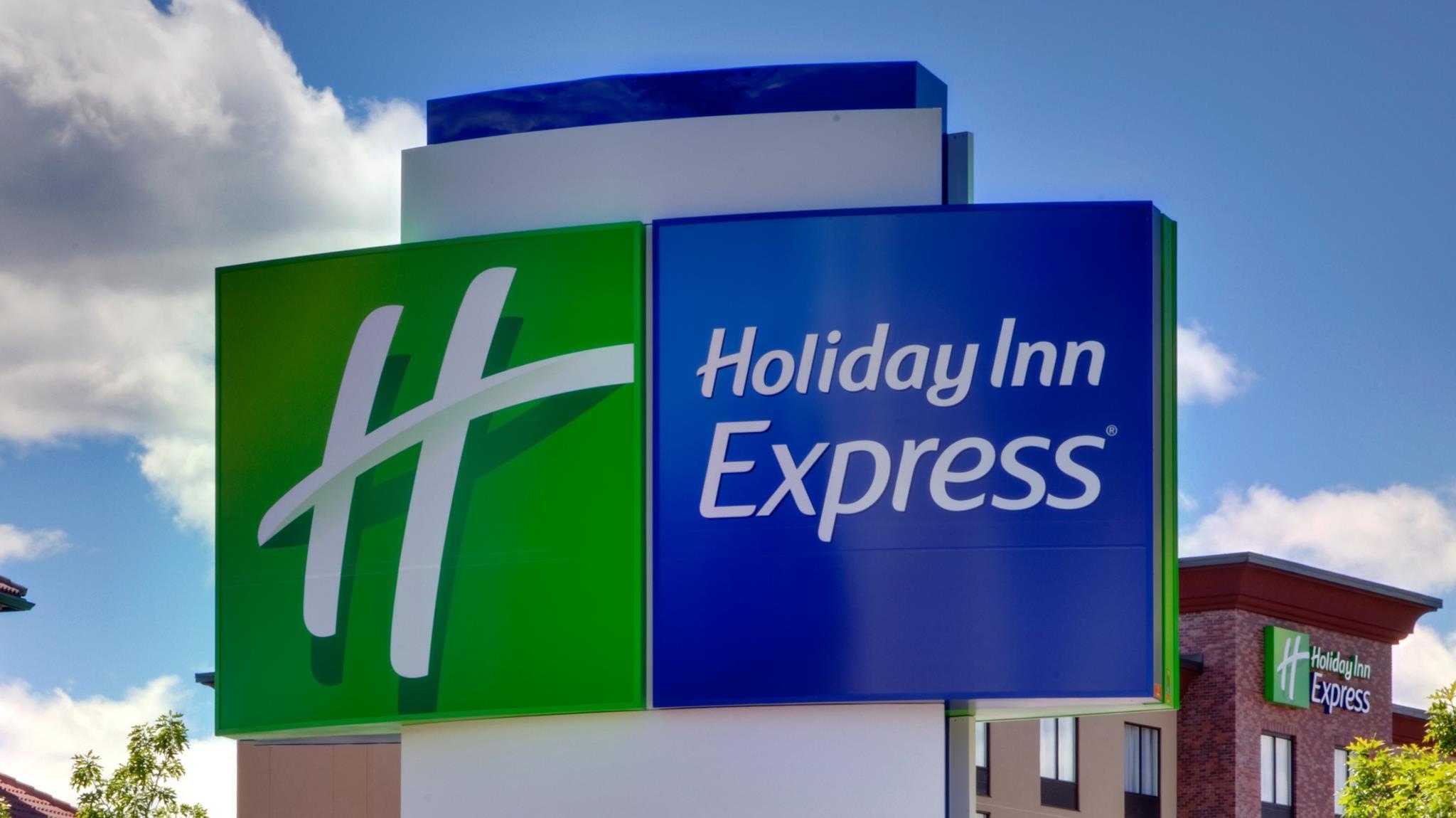 Holiday Inn Express And Suites Cincinnati NE   Red Bank Road