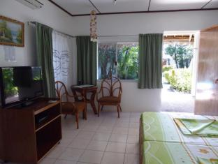 Marcosas Cottages Resort Moalboal - Konuk Odası