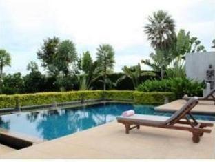 Tadarawadi Pool Villa at Phoenix Pattaya - Swimming Pool