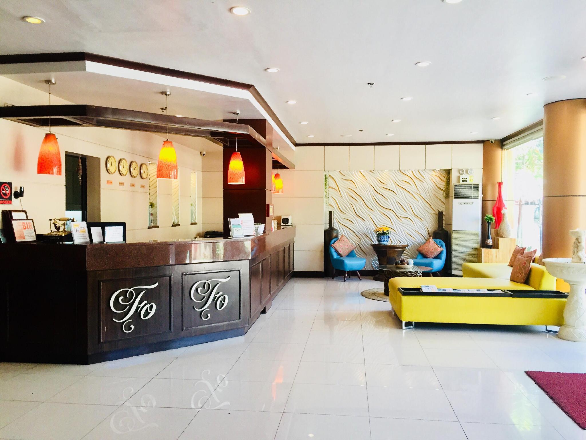 Fuente Oro Business Suites