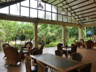 Busuanga Island Paradise Hotel Coron - Lobby