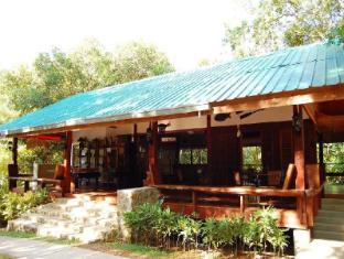 Busuanga Island Paradise Hotel Coron - Surroundings