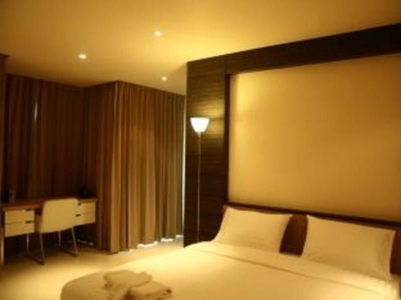 2C プーケット ホテルと同グレードのホテル4