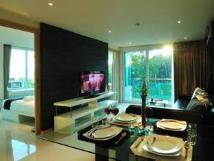 The Baycliff Hotel Phuket - Suite Room