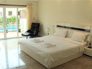 Emerald Palace Hotel Pattaya - 2 Bedroom Executive Apartment Pool View