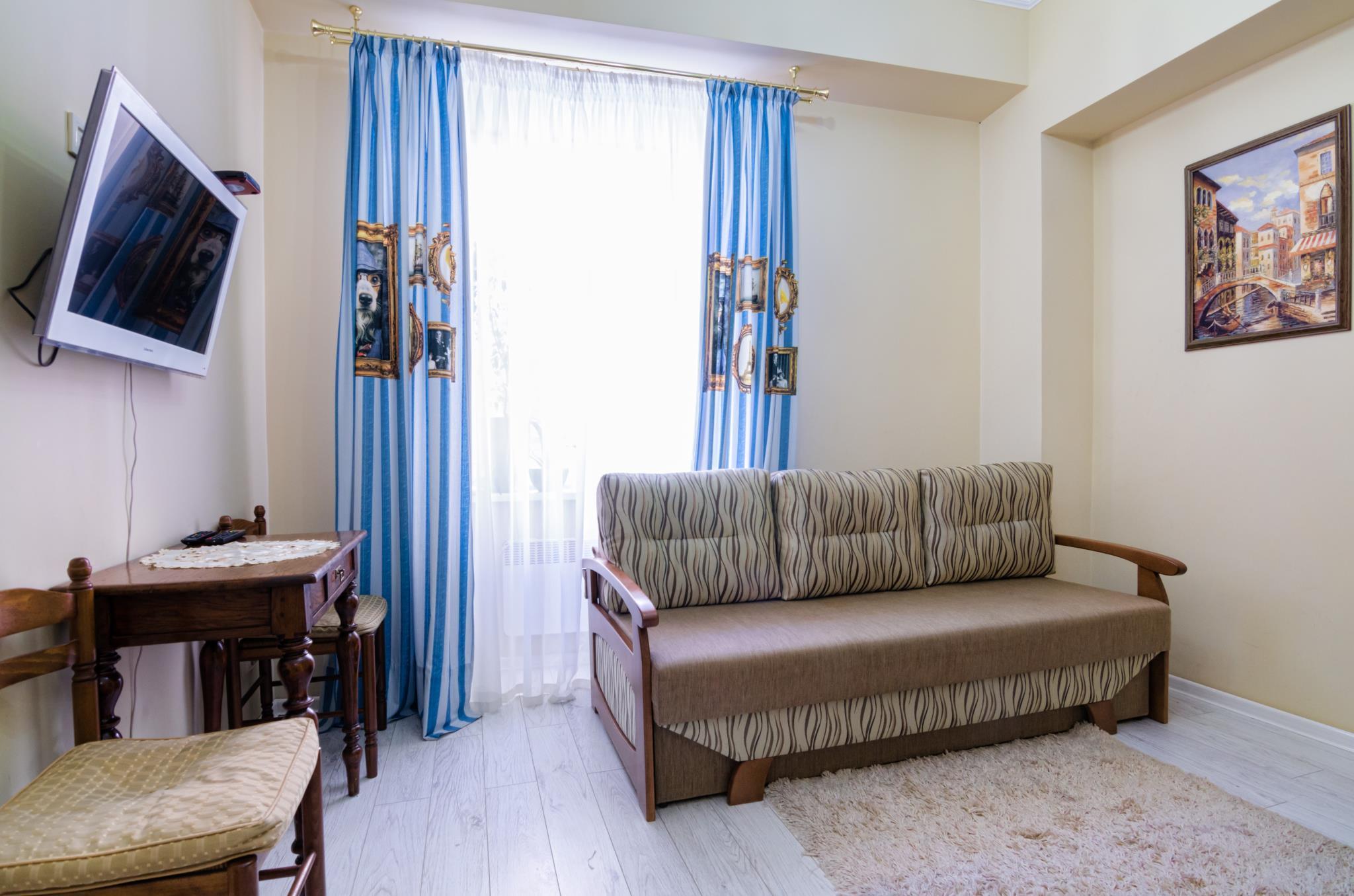 One Bedroom Apartment On L.Ukrainky 36