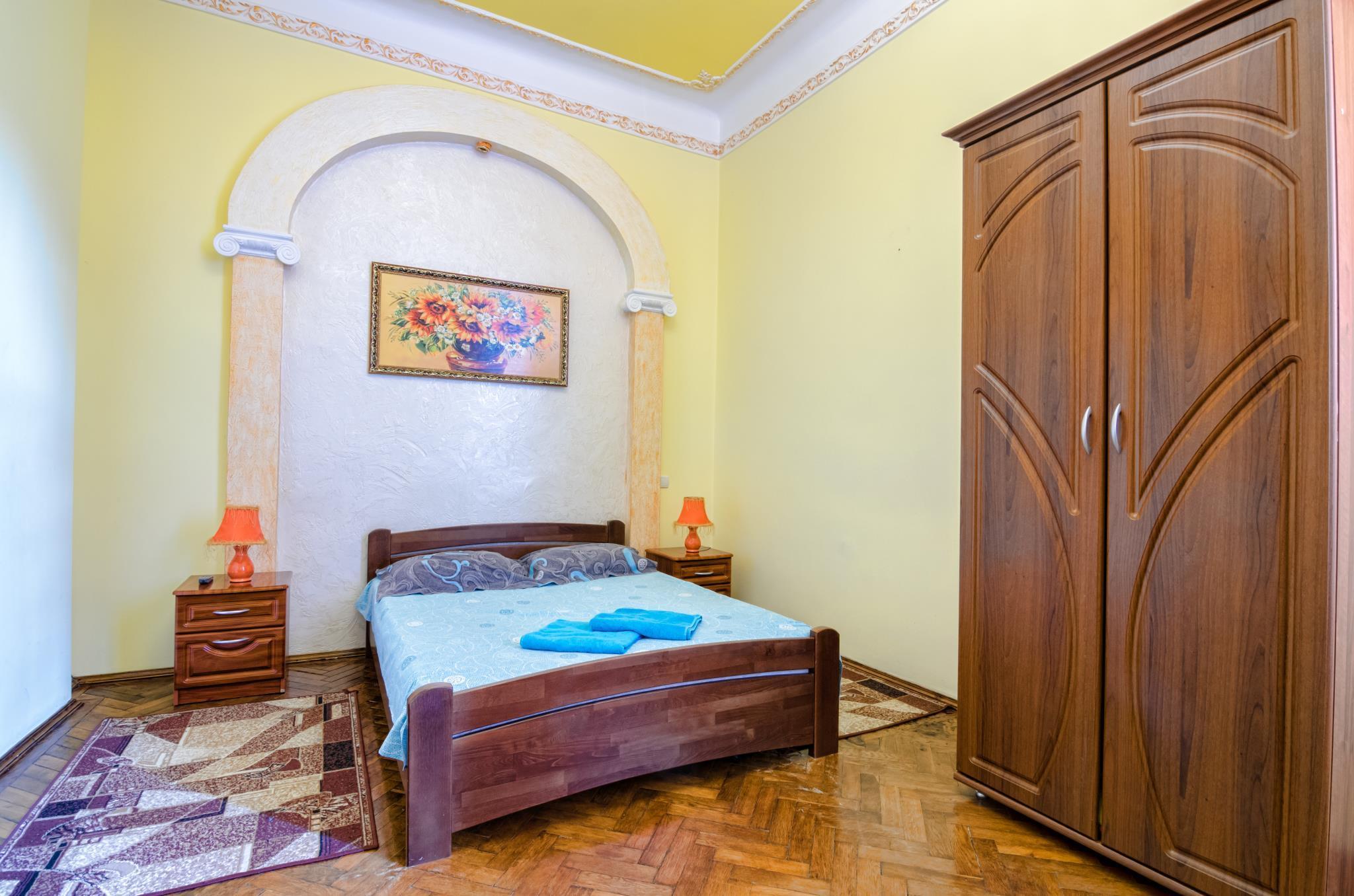One Bedroom Apartment On B. Khmelnytskogo 23