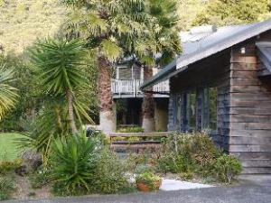 Bay of Islands Holiday Apartments and Campervan Park