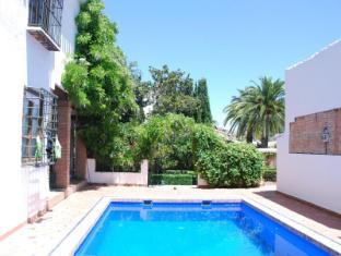 /apartamentos-turisticos-alhambra/hotel/granada-es.html?asq=vrkGgIUsL%2bbahMd1T3QaFc8vtOD6pz9C2Mlrix6aGww%3d