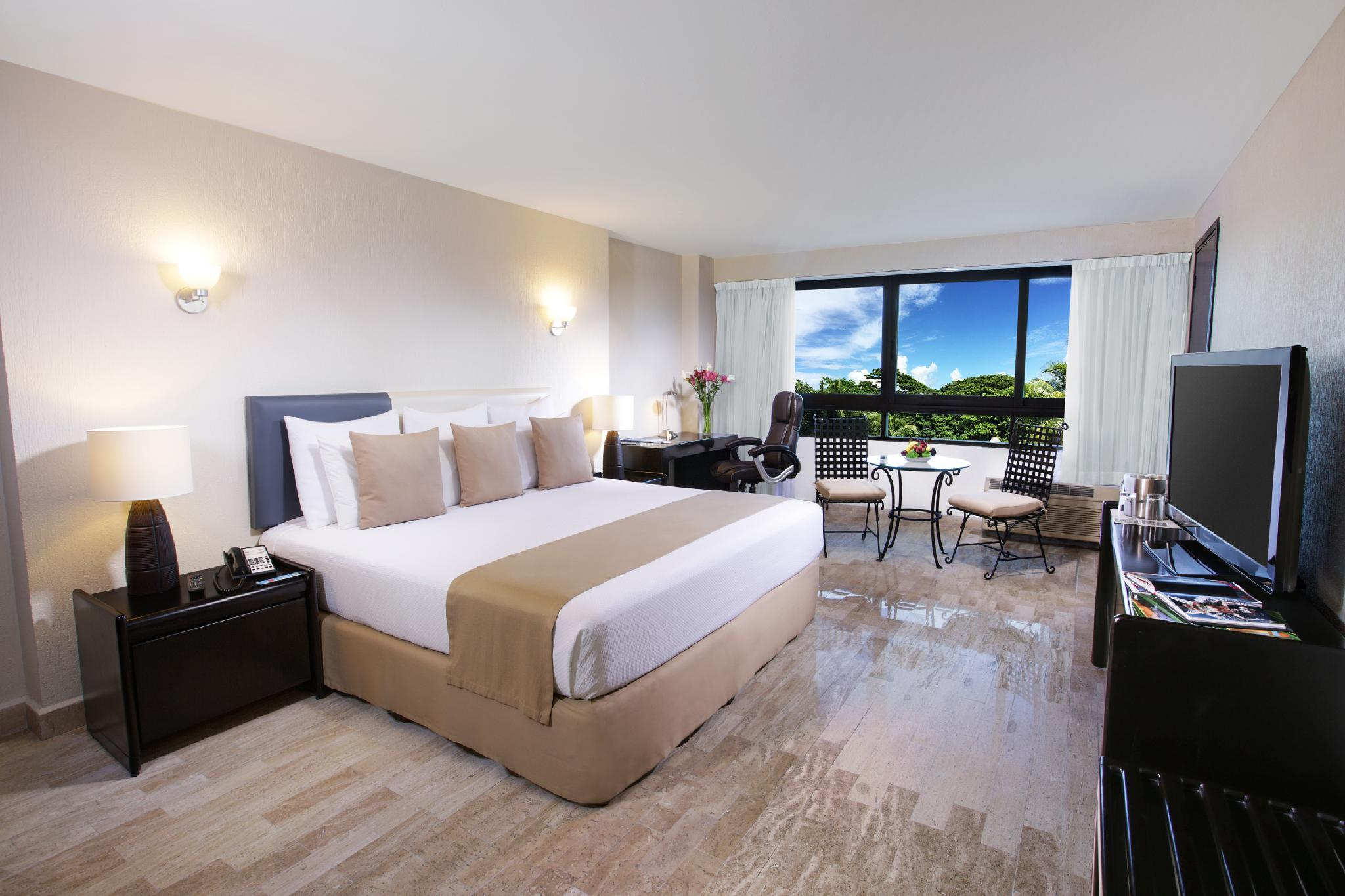 Smart Cancun by Oasis Reviews