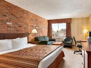 Фото отеля Travelodge by Wyndham North Bay Lakeshore