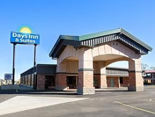 Фото отеля Days Inn & Suites by Wyndham Trinidad