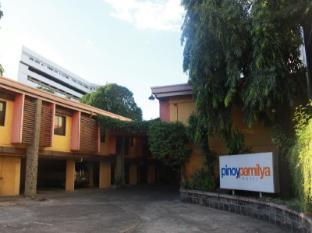 Pinoy Pamilya Hotel Manila - Entrance