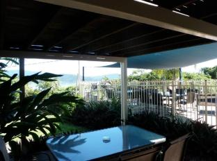 Airlie Apartments Whitsunday Islands - Poolview Exterior