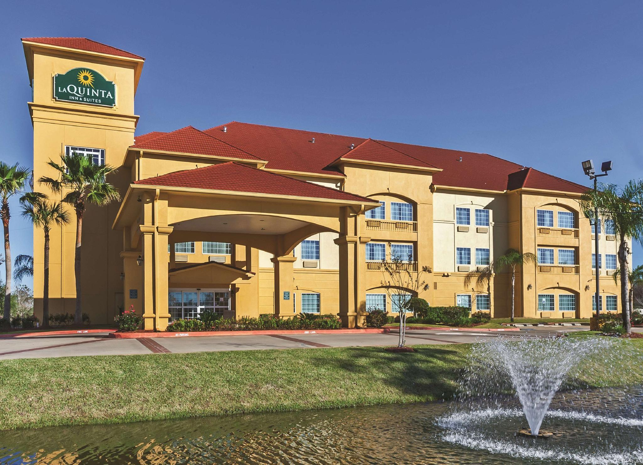 La Quinta Inn And Suites By Wyndham Pearland