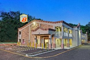 Super 8 By Wyndham Asbury Park Ocean Township (NJ) New Jersey United States