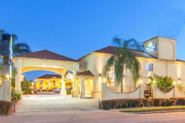 Days Inn & Suites by Wyndham Houston Hobby Airport Houston