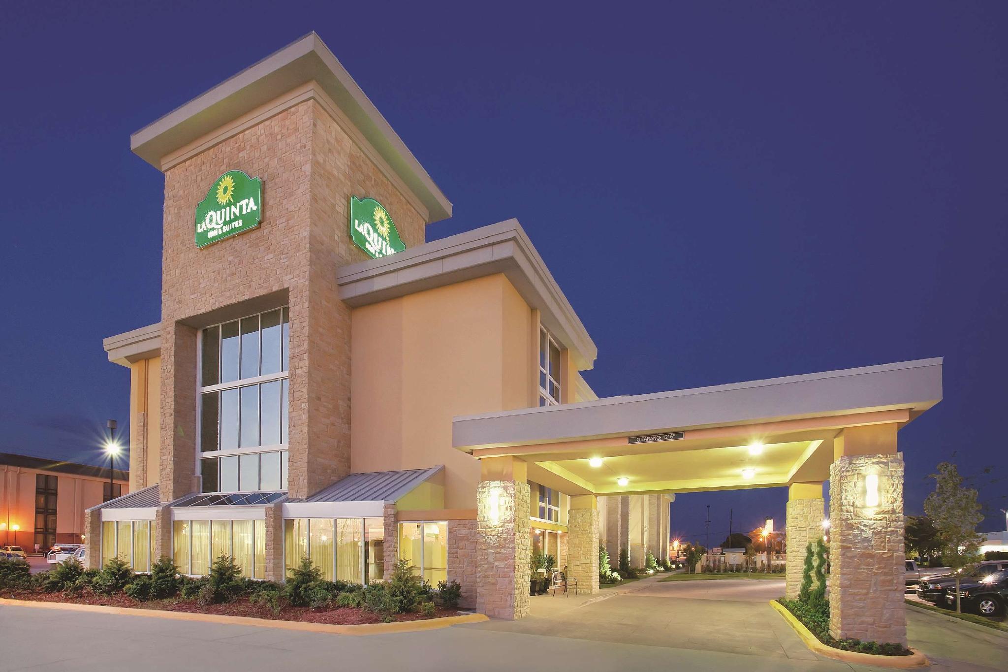 La Quinta Inn And Suites By Wyndham Dallas I 35 Walnut Hill Ln