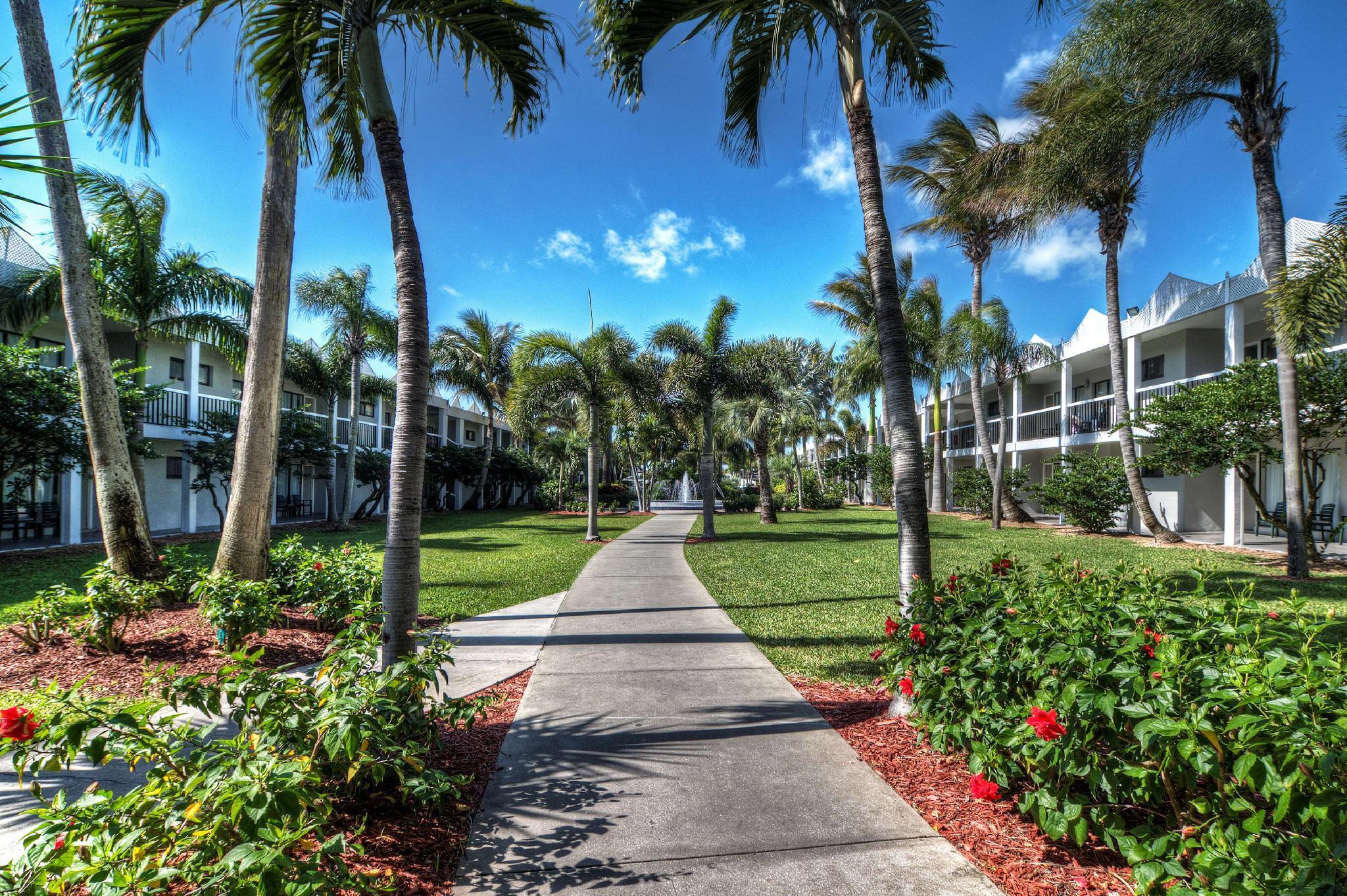 Beachcomber Beach Resort And Hotel