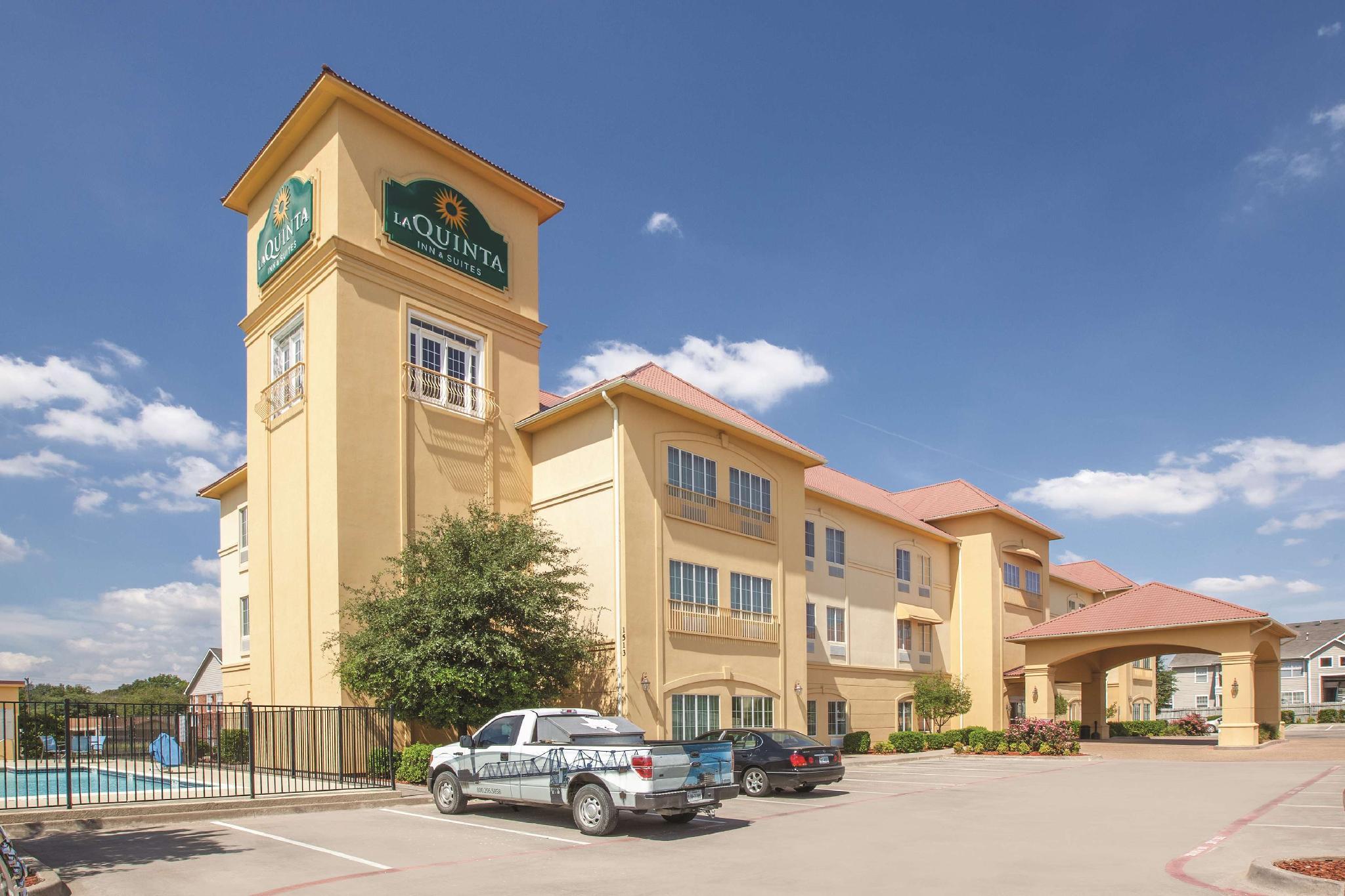 La Quinta Inn And Suites By Wyndham Hillsboro