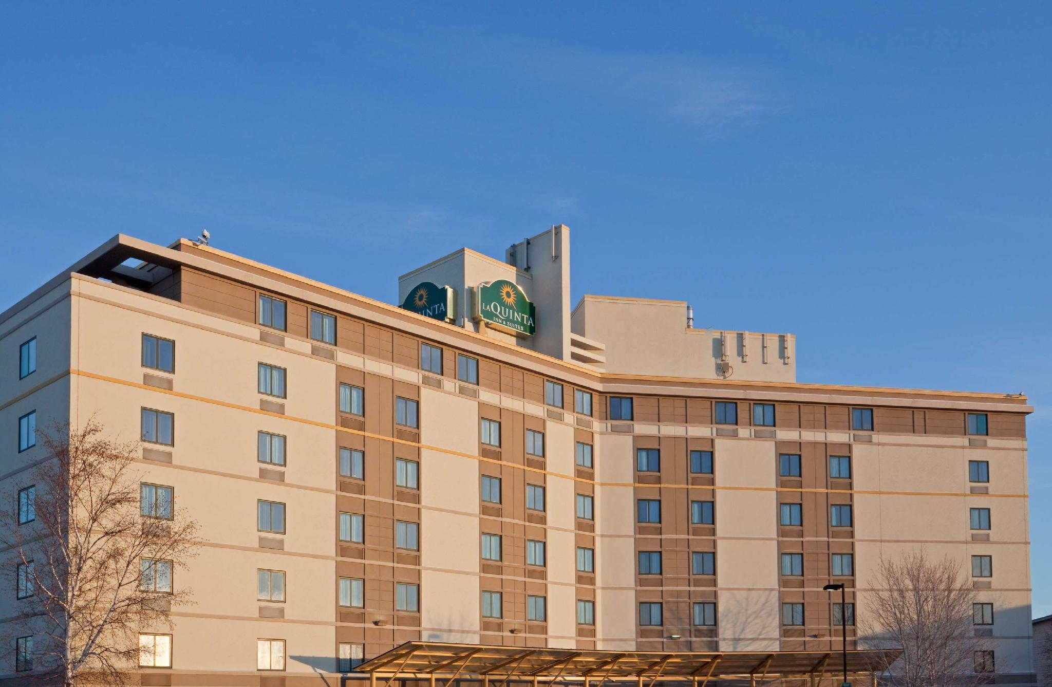 La Quinta Inn And Suites By Wyndham Boston Somerville