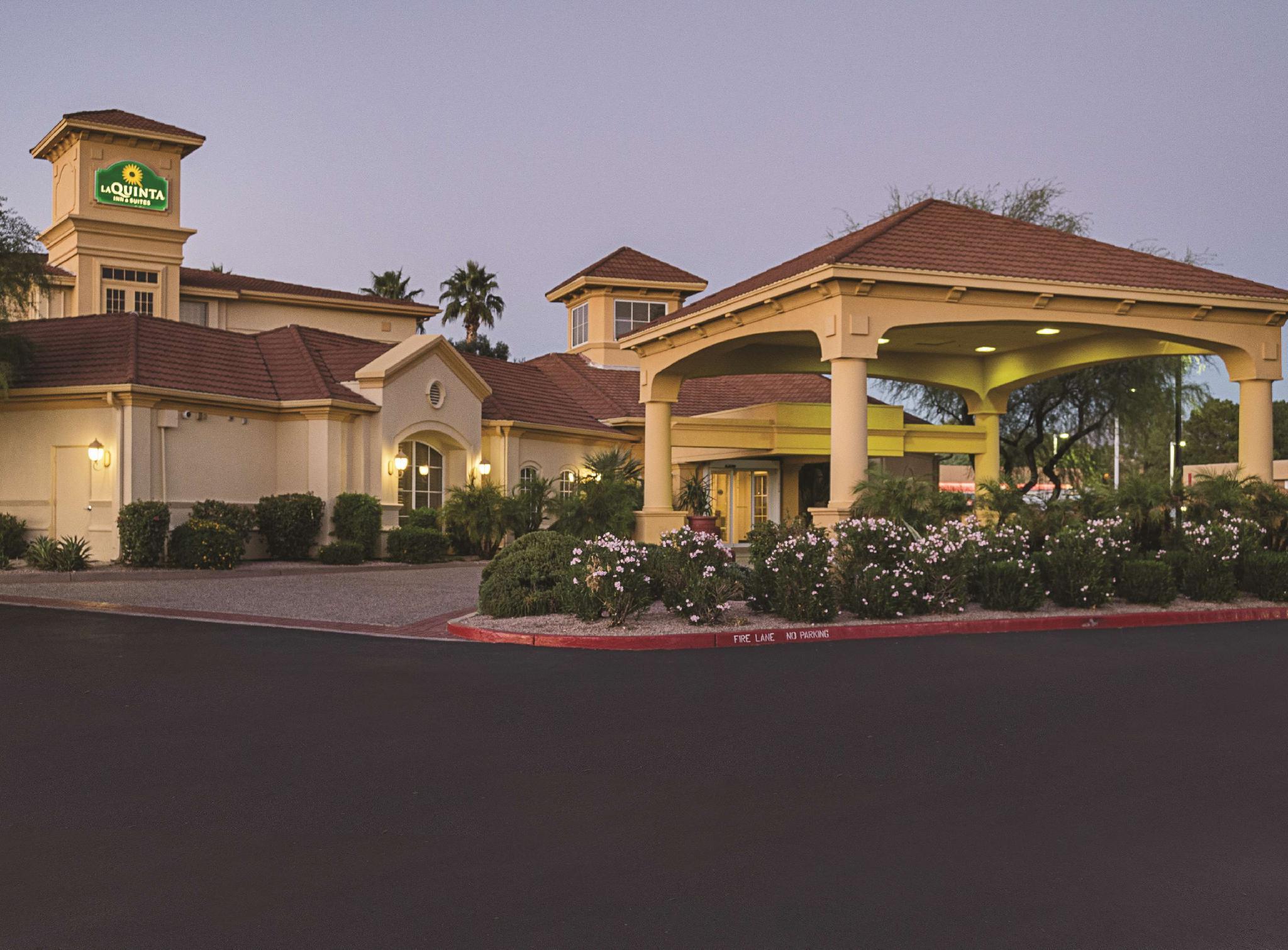 La Quinta Inn And Suites By Wyndham Phoenix Scottsdale