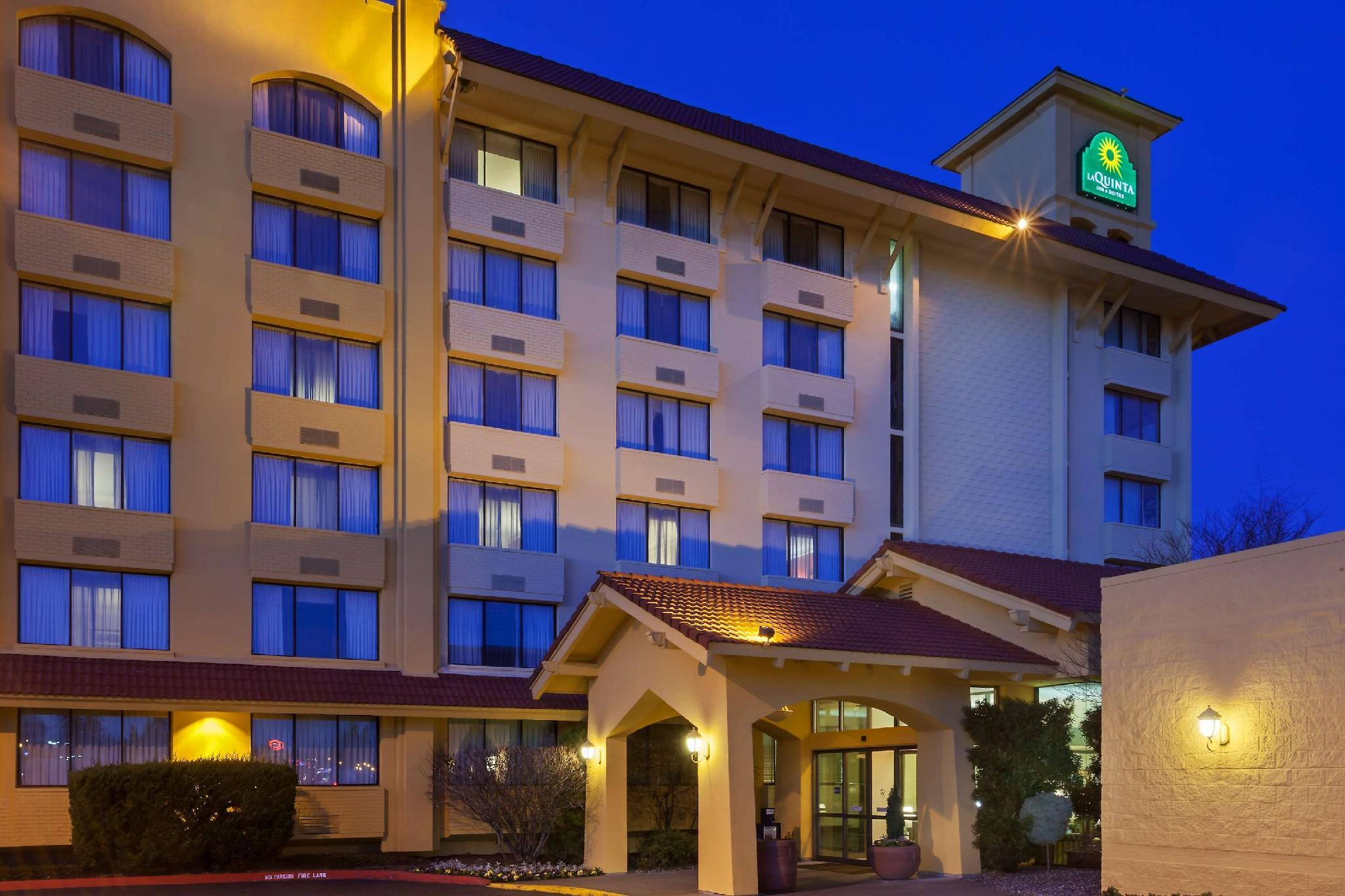La Quinta Inn And Suites By Wyndham Seattle Sea Tac Airport